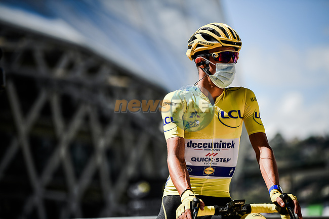 New race leader Yellow Jersey Julian Alaphilippe (FRA) Deceuninck-Quick Step at sign on before the start of Stage 3 of Tour de France 2020, running 198km from Nice to Sisteron, France. 31st August 2020.<br /> Picture: ASO/Pauline Ballet   Cyclefile<br /> All photos usage must carry mandatory copyright credit (© Cyclefile   ASO/Pauline Ballet)