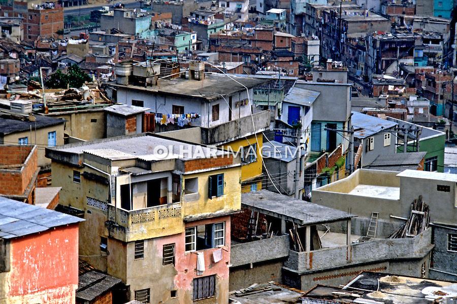 Barracos da favela da Rocinha. Rio de Janeiro. 1988. Foto de Juca Martins.
