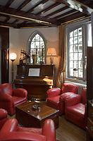 """Europe/France/Normandie/Haute-Normandie/76/Seine-Maritime/ Etretat: Salon de l' Hôtel-restaurant  Domaine Saint Clair """"Le Donjon"""""""