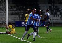 PIEDECUESTA - COLOMBIA, 16-07-2021: Real Santander y Atletico Bucaramanga durante partido de la Fase de Grupos de la fecha 2 por la Liga Femenina BetPlay DIMAYOR 2021 jugado en el estadio Villa Concha de la ciudad de Piedecuesta. / Real Santander and Atletico Bucaramanga during a match of the Group Phase the 2nd date for the Women's League BetPlay DIMAYOR 2021 played at the Villa Concha stadium in Piedecuesta city. / Photo: VizzorImage / Miguel Vergel / Cont.