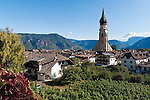 "Italy, Alto Adige - Trentino (South Tyrol), Community Appiano sulla Strada del Vino, district San Paolo: parish curch St. Paul's Conversion | Italien, Suedtirol, bei Bozen, Gemeinde Eppan Ortsteil St. Pauls: Pfarrkirche Pauli Bekehrung, der ""Dom auf dem Lande"""