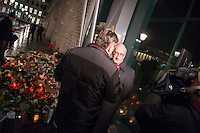 """Trauerbekundungen vor der franzoesischen Botschaft in Berlin anlaesslich der Ermordung von Redakteuren der Satierezeitschrift """"Charlie Hebdo"""" am 7. Januar 2015 in Paris.<br /> Bei einem Anschlag mit vorgeblich religioesen Motiven wurden zehn Mitarbeiter und Redakteure und zwei Polizisten durch Terroristen erschossen. Die Satierezeitschrift Charlie Hebdo war in der Vergangenheit mehrfach Ziel muslimischen Protesten, so wurden nach der Veroeffentlichung der """"Mohamed-Karrikaturen"""" das Redaktionsgebaeude am 2. November 2011 durch einen Brandanschlag zerstoert.<br /> Berlinerinnen und Berliner haben vor der Botschaft Blumen und Schilder mit der Aufschrift """"Je suis Charlie"""" (Ich bin Charlie), niedergelegt.<br /> Im Bild: Der franzoesische Botschafter Philippe Etienne im Inteview mit dem Regionalsender RBB.<br /> 8.1.2015, Berlin<br /> Copyright: Christian-Ditsch.de<br /> [Inhaltsveraendernde Manipulation des Fotos nur nach ausdruecklicher Genehmigung des Fotografen. Vereinbarungen ueber Abtretung von Persoenlichkeitsrechten/Model Release der abgebildeten Person/Personen liegen nicht vor. NO MODEL RELEASE! Nur fuer Redaktionelle Zwecke. Don't publish without copyright Christian-Ditsch.de, Veroeffentlichung nur mit Fotografennennung, sowie gegen Honorar, MwSt. und Beleg. Konto: I N G - D i B a, IBAN DE58500105175400192269, BIC INGDDEFFXXX, Kontakt: post@christian-ditsch.de<br /> Bei der Bearbeitung der Dateiinformationen darf die Urheberkennzeichnung in den EXIF- und  IPTC-Daten nicht entfernt werden, diese sind in digitalen Medien nach §95c UrhG rechtlich geschuetzt. Der Urhebervermerk wird gemaess §13 UrhG verlangt.]"""