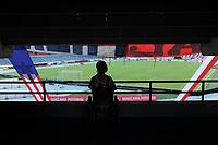 BARRANQUILLA - COLOMBIA, 25-07-2021: Hinchas del Atletico Junior.Atlético Junior  y Envigado en partido por la fecha 2 como parte de la Liga BetPlay DIMAYOR II 2021 jugado en el estadio Metropolitano Roberto Meléndez de la ciudad de Barranquilla. / Fans of Atletico Junior.Atletico Junior and Envigado in match for the date 2 as part of the BetPlay DIMAYOR League II 2021 played at Metropolitano Roberto Melendez stadium in Barranquilla city. Photo: VizzorImage / Jesús Rico / Contribuidor