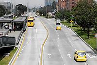 BOGOTA - COLOMBIA -06-02-2014. Vista de la Avenida El Dorado,  en horas de la mañana durante el Día sin Carro.  / A View of the El Dorado Avenue, in the morning during the day without car in Bogotá. (Photo: VizzorImage / Luis Ramirez /Staff)