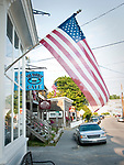 USA, Neuengland, Hauptstrasse in Stonington, 02.09.2010<br /> <br /> Engl.: USA, New England, Maine, Stonington, main road, flag, 02 September 2010