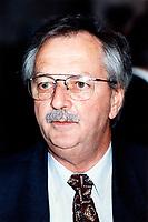 P Giguere, president de la Communaute Urbaine de Quebec<br /> <br /> Congres et  Salon de l AQTE<br /> (Association quebecoise des Techniques de l'Eau<br /> , Avril 1998<br /> , Centre des congres de Quebec<br /> <br /> PHOTO :  Agence Quebec Presse - Pierre Roussel