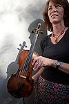 Fiddler Mary Larsen