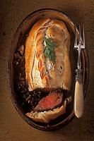 Gastronomie générale / Cuisine générale :  Filet de beuf en croute farci aux champignons