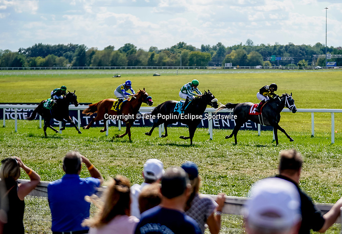 November 9, 2021: Scenes from the Eclipse Sportswire Photo Workshop at Kentucky Downs in Franklin, Kentucky, photo by Tere Poplin/Eclipse Sportswire Photo Workshop
