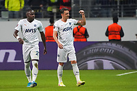 celebrate the goal, Torjubel zum 0:1 Mesut Özil (Fenerbahce Istanbul), daneben Bright Osayi-Samuel (Fenerbahce Istanbul) - Frankfurt 16.09.2021: Eintracht Frankfurt vs. Fenerbahce Istanbul, Deutsche Bank Park, 1. Spieltag UEFA Europa League