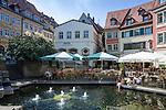 Deutschland, Bayern, Oberfranken, Bamberg: Cafes und Restaurants am Obstmarkt, einem kleinen Platz in der Altstadt, die zum UNESCO Weltkulturerbe zaehlt | Germany, Bavaria, Upper Franconia, Bamberg: cafés and restaurant at Obstmarkt, a small square at old town, which is ranked UNESCO World Heritage Site
