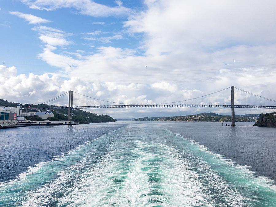 Ship's wake leaving Bergen