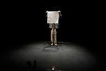 L'ETE EN APESANTEUR....Auteur : Samuel Beckett..Mise en scène : Dominique Dupuy..Scénographie et lumière : Eric Soyer..avec : ..Dominique Dupuy..Tsirihaka Harrivel..Le 30/01/2013..Theâtre Nationale de Chaillot..Ville : Paris..© Laurent Paillier / photosdedanse.com..All rights reserved