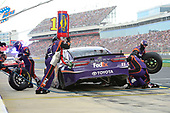Monster Energy NASCAR Cup Series<br /> Coca-Cola 600<br /> Charlotte Motor Speedway, Concord, NC USA<br /> Sunday 28 May 2017<br /> Denny Hamlin, Joe Gibbs Racing, FedEx Office Toyota Camry, makes a pit stop.<br /> World Copyright: John K Harrelson<br /> LAT Images<br /> ref: Digital Image 17CLT2jh_04307