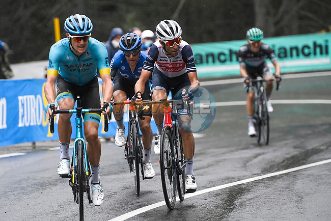 The lead chase group including Jakob Fuglsang (DEN) Astana, Domenico Pozzovivo (ITA) NTT and Vincenzo Nibali (ITA) Trek-Segafredo during Stage 3 of the 103rd edition of the Giro d'Italia 2020 running 150km from Enna to Etna (Linguaglossa-Piano Provenzana), Sicily, Italy. 5th October 2020.  <br /> Picture: LaPresse/Fabio Ferrari | Cyclefile<br /> <br /> All photos usage must carry mandatory copyright credit (© Cyclefile | LaPresse/Fabio Ferrari)