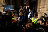Demonstration gegen die finanzielle Sanktionierung wissenschaftliche Einrichtungen in Ungarn. Demonstration against the financial sanctioning of  scientific institutions in Hungary.<br /> László Lovász, president of the Acedemy appeared briefly and expressed his support