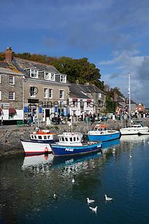 Grossbritannien, England, Cornwall, Padstow: Fischerdorf mit kleinem Yachthafen | Great Britain, England, Cornwall, Padstow: Fishing Harbour and marina