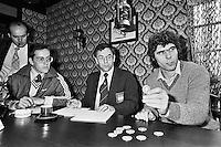 1980, ABN Tennis Toernooi,Loting met Willem van Hanegem en hoofdscheidsrechter Eric Savalle(m)