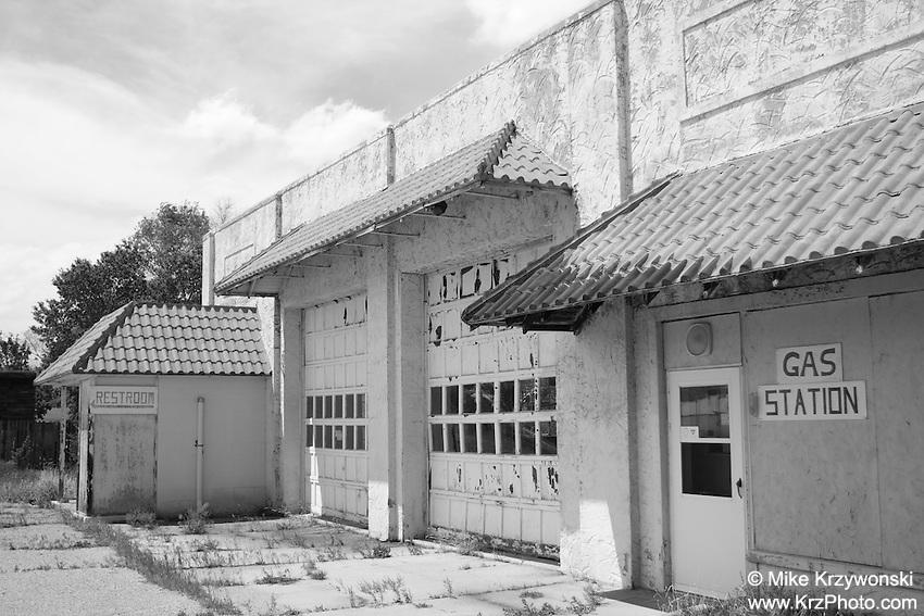 Abandoned gas station in Mullen, NE