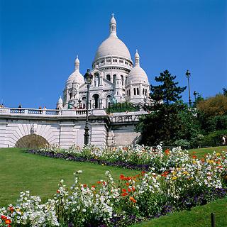 France, Paris: Basilica of the Sacred Heart of Paris, commonly known as Sacré-Cœur Basilica, pilgrimage church at Montmartre   Frankreich, Paris: Basilika Sacré-Cœur de Montmartre, Wallfahrtskirche auf dem Montmartre