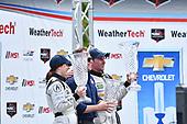 IMSA WeatherTech SportsCar Championship<br /> Chevrolet Sports Car Classic<br /> Detroit Belle Isle Grand Prix, Detroit, MI USA<br /> Saturday 3 June 2017<br /> 93, Acura, Acura NSX, GTD, Andy Lally, Katherine Legge, Michael Shank<br /> World Copyright: Richard Dole<br /> LAT Images<br /> ref: Digital Image RD_DTW_17_0397