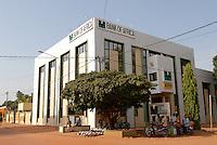 Burkina Faso Bobo-Dioulasso Bank of Africa , in den westafrikanischen Staaten gibt es die Gemeinschaftswaehrung CFA Franc / Burkina Faso , Bank of Africa in Bobo-Dioulasso , west african countries have the CFA Franc as currency union