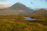 Schottland, Bergkette The Cuillins, Berge, Gebirge, Weite, Ebene, Nebel, nebelig, Natur, Landschaft, niemand, Europa, Hebriden, Isle of Skye, Reise, Travel, laif_creative, 2012 <br /> <br /> <br /> Engl.: Scotland, The Cuillins, mountains, fog, foggy, nature, landscape, Europe, Hebrides, Isle of Skye, 2012