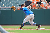 Akron RubberDucks first baseman Nellie Rodriguez (25) stretches for a throw during the first game of a doubleheader against the Bowie Baysox on June 5, 2016 at Prince George's Stadium in Bowie, Maryland.  Bowie defeated Akron 6-0.  (Mike Janes/Four Seam Images)