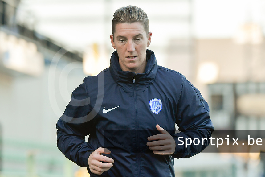 Genk's defender Aline Zeler pictured during the warming up of a female soccer game between Eendracht Aalst and Racing Genk on the fifth matchday of the 2020 - 2021 season of Belgian Scooore Womens Super League , Saturday 28 th of November 2020  in Aalst , Belgium . PHOTO SPORTPIX.BE | SPP | DIRK VUYLSTEKE