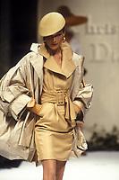 CARLA BRUNI <br /> Christian Dior<br /> 1992<br /> © Guy Marineau/Catwalkpictures/TORDOIR/DALLE
