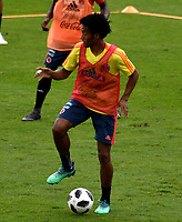BOGOTA - COLOMBIA, 24–05-2018: Juan Guillermo Cuadrado, jugador de la Selección Colombia, durante entrenamiento en el Estadio Nemesio Camacho El Campín, en Bogotá. Colombia se prepara para la próxima la Copa Mundo FIFA 2018 Rusia. / Juan Guillermo Cuadrado, player of the Colombia Team, during training at the Nemesio Camacho El Campin stadium, in Bogota city. Colombia prepares for the next 2018 FIFA World Cup Russia. Photo: VizzorImage / Luis Ramirez /Staff.