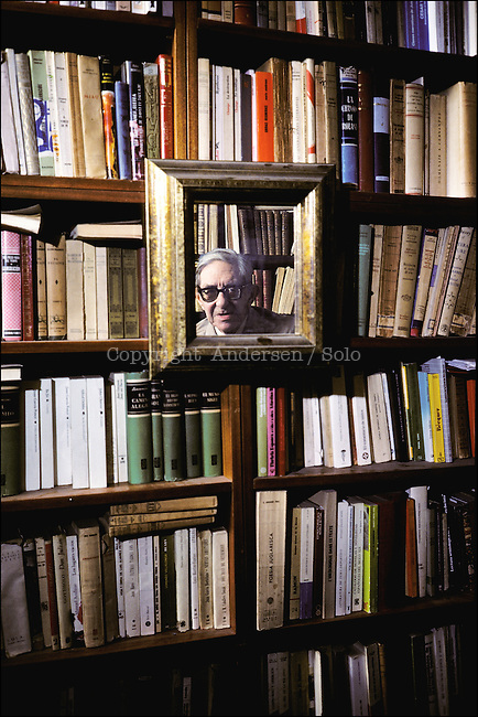 Gonzalo Torrente Ballester, spanish author at home in Salamanca.