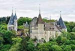 Side view of the Château de La Rochepot from Route D33.