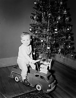 Petit garcon et son camion jouet, Noel 1952<br /> <br /> Little boy and his toy truck, , chistmas 1952<br /> <br /> PHOTO : Agence Quebec Presse