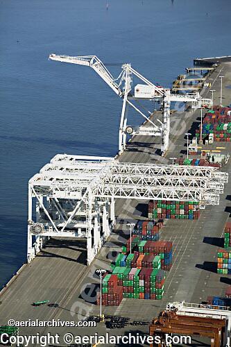aerial photograph cranes Port of Oakland, California