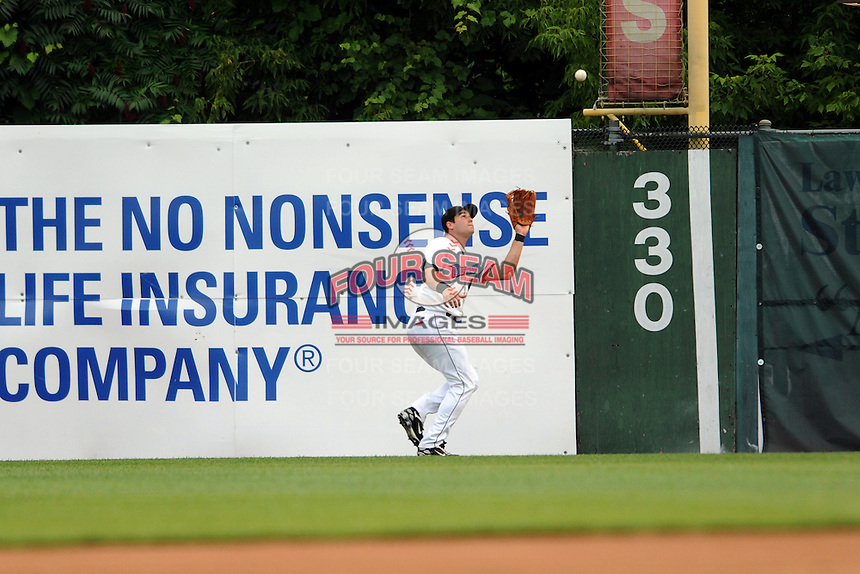 July 15, 2009:  Eddy Martinez-Esteve of the Connecticut Defenders during the 2009 Eastern League All-Star game at Mercer County Waterfront Park in Trenton, NJ.  Photo By David Schofield/Four Seam Images