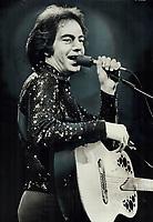 1976 FILE PHOTO - ARCHIVES -<br /> <br /> Neil Diamond: Romantic Sparkle. It felt like an affair, fan said later<br /> <br /> Bezant, Graham<br /> Picture, 1976<br /> <br /> 1976<br /> <br /> PHOTO : Graham Bezant - Toronto Star Archives - AQP