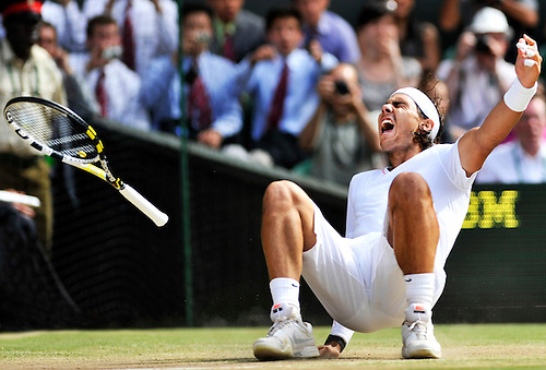 4TH JULY 2010, WIMBLEDON TENNIS CHAMPIONSHIPS, RAFAEL NADAL DEFEATS TOMAS BERDYCH IN THE WIMBLEDON CHAMPIONSHIPS MENS FINAL 2010, ROB CASEY PHOTOGRAPHY