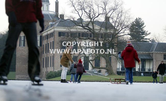 Rozendaal, 1202<br />Schaatsen bij kasteel Roosendaal<br />Foto: Sjef Prins-APAFoto