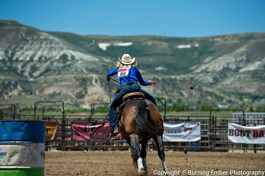 Jayden Igo in the Barrel Racing event at the Saturday Short Go round event at the Wyoming State High School Finals Rodeo in Rock Springs Wyoming.  Photo by Josh Homer/Burning Ember Photography.  Photo credit must be given on all uses.
