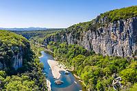 France, Ardèche (07), Berrias-et-Casteljau et les Vans, bois de Païolive, gorges du Chassezac