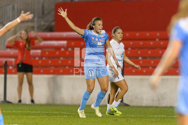 Chicago, IL - Wednesday Sept. 07, 2016: Sofia Huerta during a regular season National Women's Soccer League (NWSL) match between the Chicago Red Stars and FC Kansas City at Toyota Park.