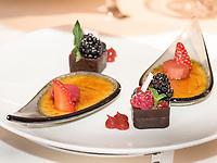 Dessert im Restaurant, Hotel Riva, Seestr. 25, Konstanz, Baden-Württemberg, Deutschland, Europa<br /> Desert, Restaurant of  Hotel Riva, Seestr. 25, Constance, Baden-Württemberg, Germany, Europe