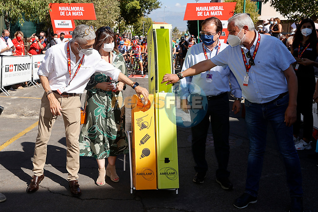 Ready for the start of Stage 15 of La Vuelta d'Espana 2021, running 197.5km from Navalmoral de la Mata to El Barraco, Spain. 29th August 2021.     <br /> Picture: Luis Angel Gomez/Photogomezsport | Cyclefile<br /> <br /> All photos usage must carry mandatory copyright credit (© Cyclefile | Luis Angel Gomez/Photogomezsport)
