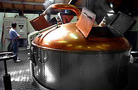 Europe, Great Britain, Scotland, Isle of Arran, Arran Distillery, stillhouse, new distillery, production of Single Malt Whisky, mashtun.- Europa, Grossbritannien, Schottland, Isle of Arran, neue Arran -Destillerie, Produktion von Single Malt Whiskey, Mischkessel.20.08.2003.  Copyright: Dorothea Schmid / Agentur laif(Bildtechnik: sRGB, 53.02 MByte vorhanden)