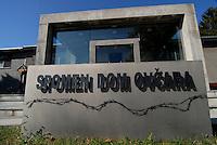 Vukovar / Croazia 2011.Museo dedicato alle vittime del massacro di Ovcara (ovile) nei pressi di Vukovar..Durante gli ultimi giorni dell'assedio (novembre 1991) furono rastrellati 265 civili croati e un serbo e portati in un ovile (ovcara) sottoposti a torture e poi trucidati dalle milizie paramilitari aggregate all'esercito jugoslavo. Dopo la guerra furono riesumati i corpi e oggi l'ovile è divenuto un museo...Foto Livio Senigalliesi..Ovcara / Vukovar / Croatia 2011.Ovara is a location near Vukovar where 265 prisoners from the Vukovar hospital were massacred by Serbian forces on November 20, 1991..In the picture, the farm (ovcara) were the victims have been deteined, tortured and killed. Now the place is a museum..Photo Livio Senigalliesi
