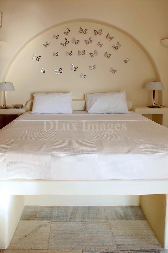 elegant white bed