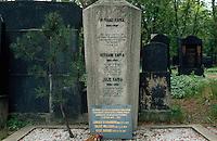 Tschechien, Prag, neuer juedischer Friedhof, Grab Franz Kafka