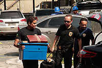 O ex-senador-prefeito de Belém Duciomar Costa foi preso nesta sexta-feira (1°) pela Polícia Federal, acusado de comandar uma organização criminosa responsável por um rombo de R$ 400 milhões à administração pública.<br /> Duciomar foi preso em sua residência, no residencial Green Ville I, na avenida Augusto Montenegro, durante a Operação Forte do Castelo, realizada por policiais federais com apoio do Ministério Público Federal. Segundo as investigações, o ex-prefeito comandava um esquema de fraude em licitações para favorecer empresas ligadas a ele, firmando contratos que enriqueciam os envolvidos de forma ilícita.<br /> <br /> Belém, Pará, Brasil.<br /> ©Rogério Uchôa<br /> 01/12/2017
