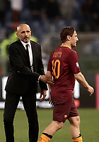 Calcio, Serie A: Roma, stadio Olimpico, 1 aprile, 2017.<br /> Roma's coach Luciano Spalletti (l) greets Francesco Totti (r) at the end of the Italian Serie A football match between Roma and Empoli at Olimpico stadium, April 1, 2017<br /> UPDATE IMAGES PRESS/Isabella Bonotto